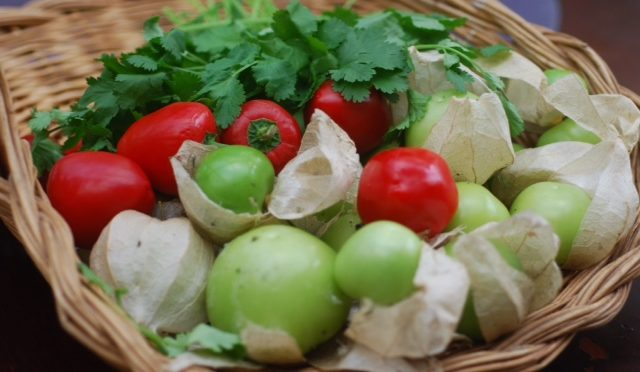 Fresh tomatillo and chilli salsa
